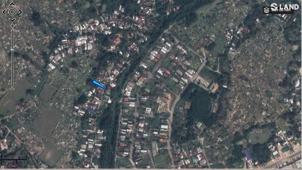 Đất mặt tiền Hoàng Thị Loan.