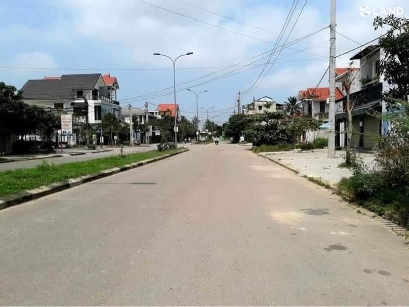 Bán đất mt đường Nguyễn Văn Đào