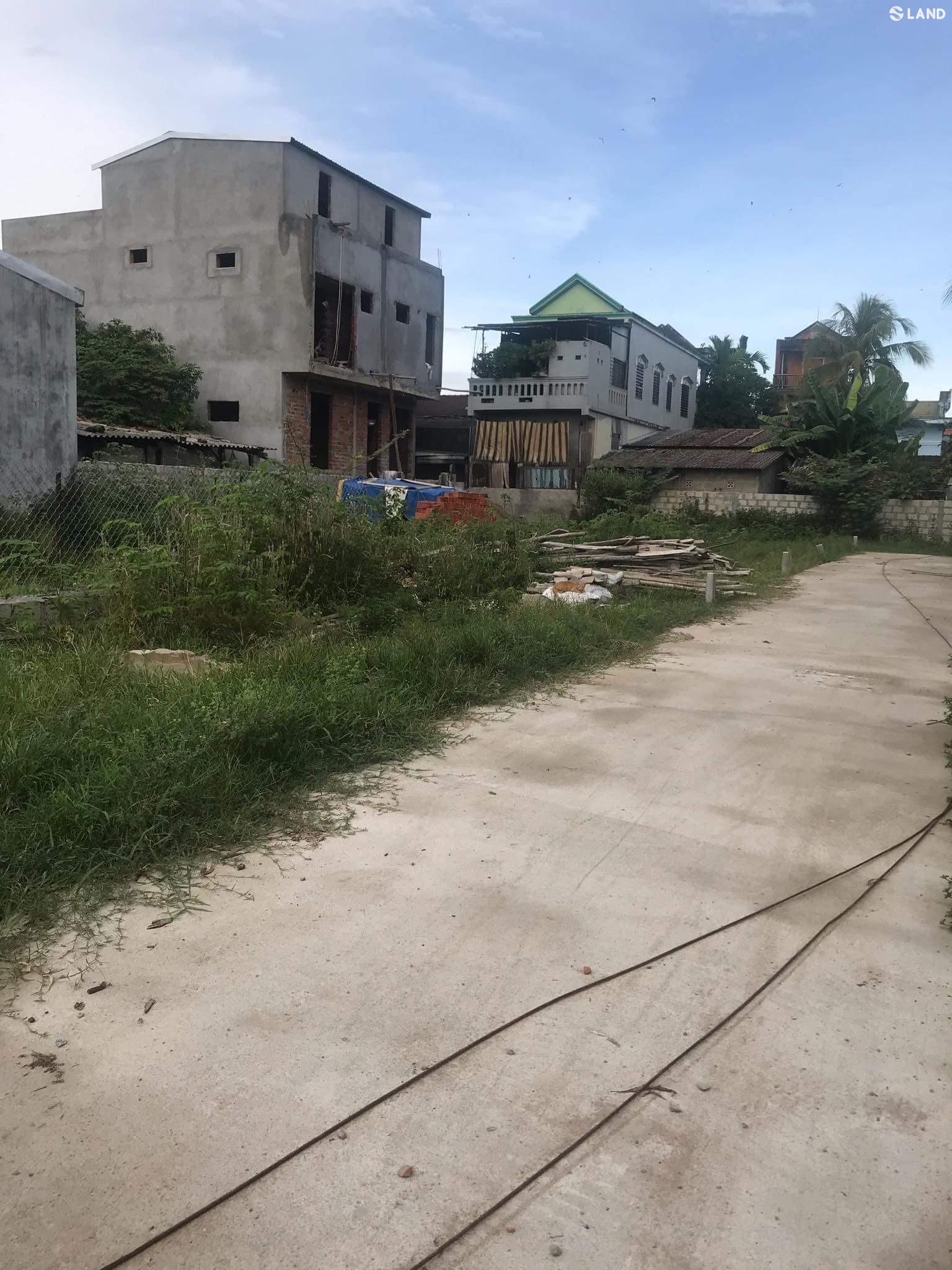 Đất kiệt oto Khúc Thừa Dụ thông kiệt Nguyễn Tất Thành