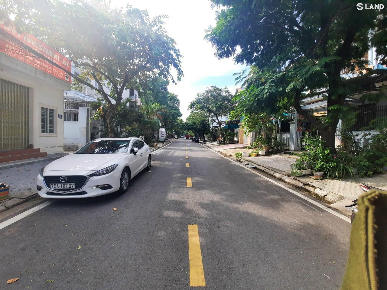 Bán đất tặng nhà cấp 4 Mt Huỳnh Tấn Phát giá đầu tư